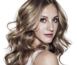 Русый тон волос для женщин после 40