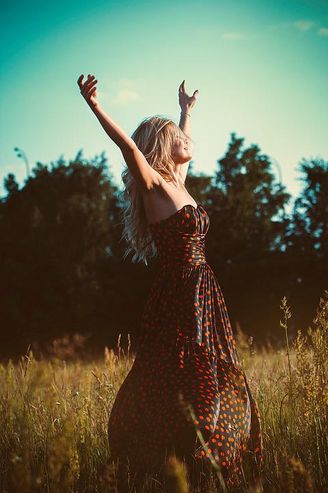 Как выглядеть стильно и модно: выбираем летнее платье